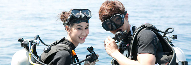 open water course student couple