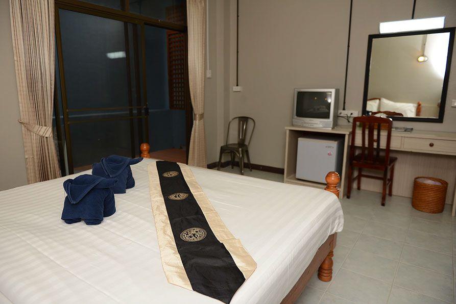 khao lak accommodation